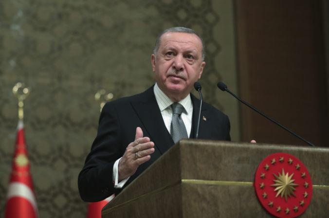 Erdogan vyzval EÚ na uznanie líbyjskej vlády, varuje pred chybou historických proporcií