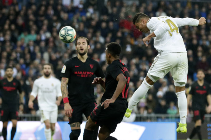 Real Madrid zvládol šláger La Ligy so Sevilllou, hrdinom sa stal Casemiro