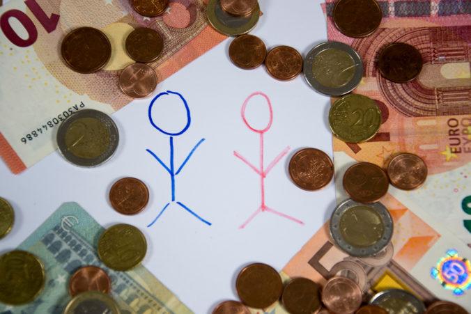 Platy Slovákov stúpli, v niektorých profesiách sa zarába aj viac ako 2200 eur v hrubom