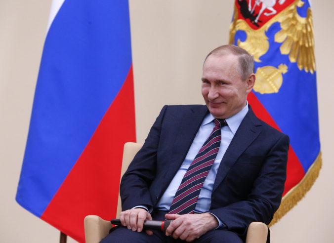 Štátna duma v Rusku schválila Putinove návrhy na zmeny v ústave