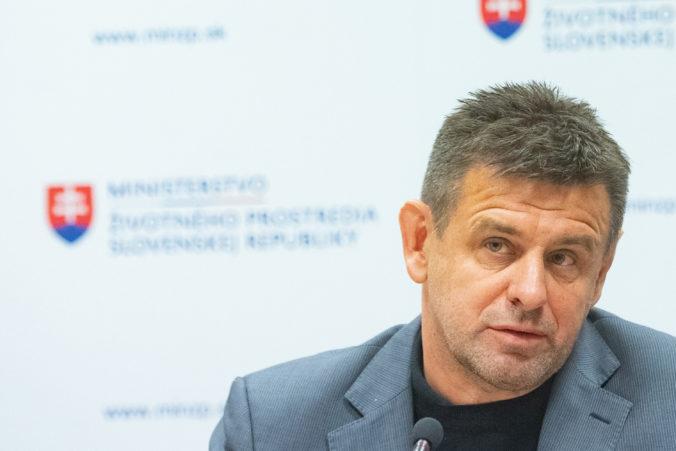 Exminister Sólymos sa vzdal aj poslaneckého mandátu, vo voľbách však kandidovať bude