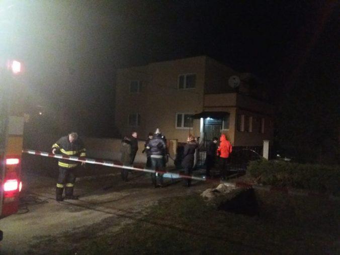 Polícia rýchlo objasnila vraždu v obci Pažiť, dôchodcu dobodal 26-ročný muž z okresu Prievidza
