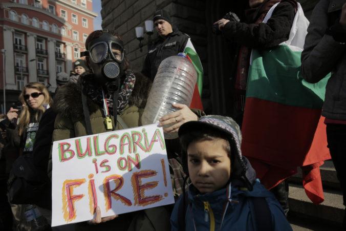 Obyvatelia bulharského priemyselného mesta trpia nedostatkom vody, hrozí humanitárna kríza