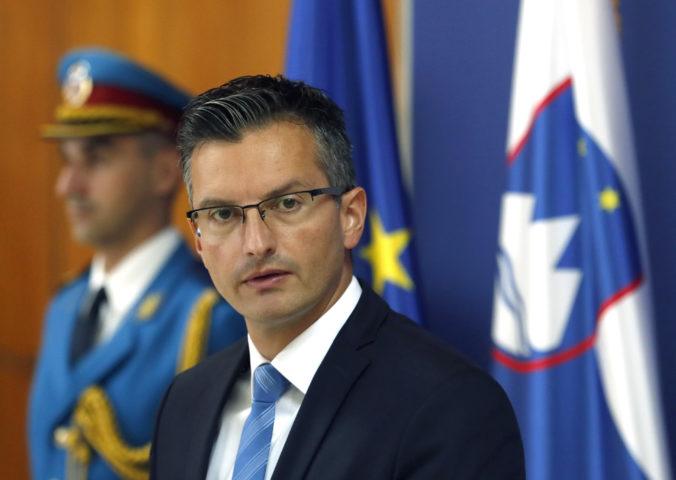 Slovinský premiér Šarec oznámil svoju rezignáciu a zároveň vyzval na predčasné voľby