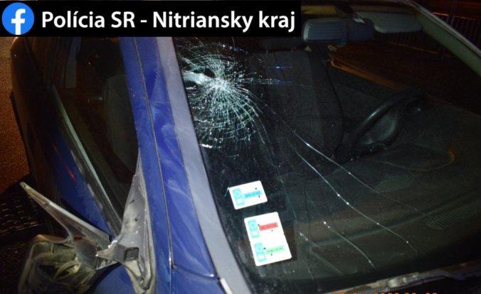 Chodca zrazilo v Leviciach auto, po nehode skončil v nemocnici