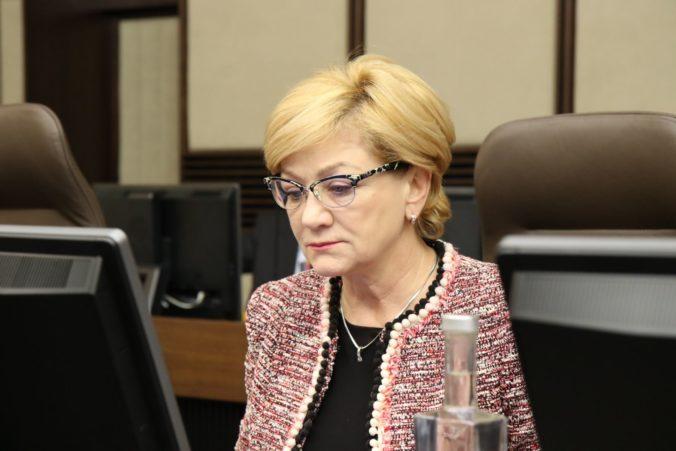 Vláda zrušila desať úloh uložených ministerke Laššákovej, niektoré sú nesplniteľné z objektívnych príčin
