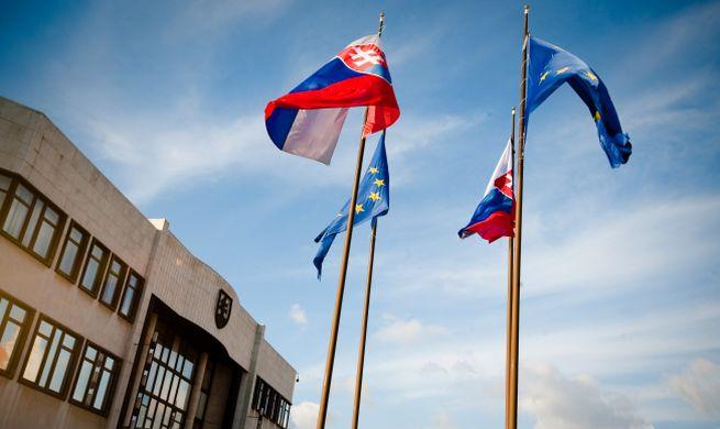 Do parlamentu by sa podľa prieskumu dostalo deväť strán, hnutie OĽaNO si drží druhé miesto