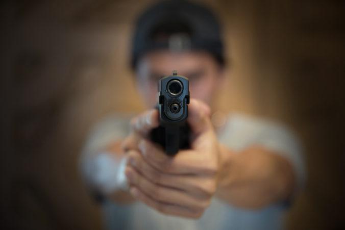 Muž sa na pražskej ulici postrelil do hlavy, policajtov predtým žiadal, aby ho zastrelili oni