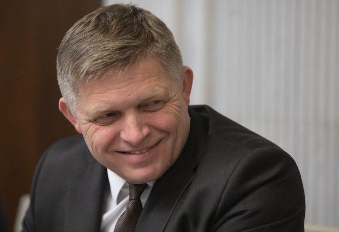 Ficov zúfalý pokus, zneužitie parlamentu či volebná korupcia, komentuje opozícia návrh Smeru-SD
