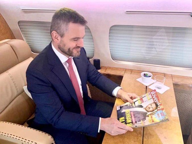 """Časopis Slovenka propaguje premiéra Pellegriniho, predtým ju zo """"štátneho"""" štedro obdaroval"""