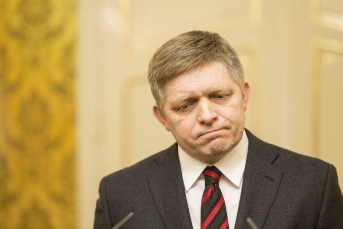 Smer-SD by vyhral voľby, ale vládu by nezložil. Prieskum MVK poslal do parlamentu aj SNS a SaS