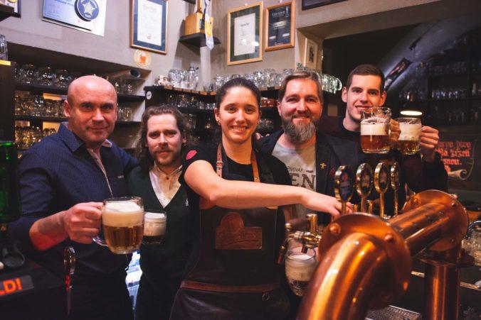 Tajné kontroly v prevádzkach: Pivovarníci chcú v podnikoch dokonalé pivo