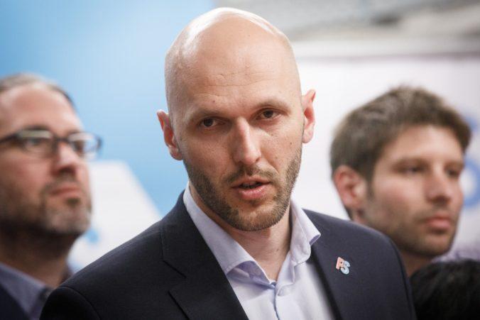 Truban podal trestné oznámenie na Mazureka za výroky o parazitoch a asociáloch