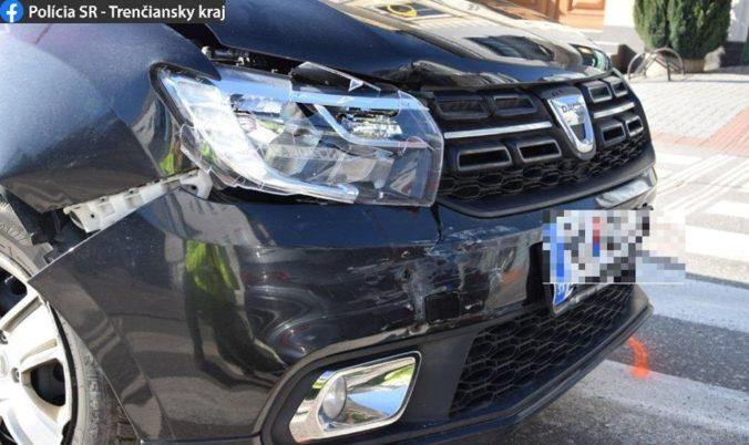 Taxikár narazil do Audi, po nehode nafúkal skoro pol promile (foto)
