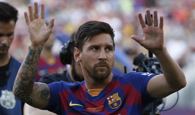 """Fanúšikovia Barcelony žiadali rezignáciu Bartomeua, """"prezident"""" Messi ich umlčal štyrmi gólmi"""