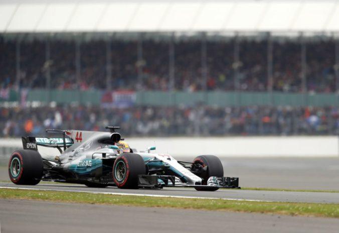 Tím Mercedes vydesil konkurenciu v F1, na testovacom dni ukázal svoju novinku