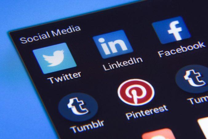 Facebook zakázal falošné reklamy súvisiace s koronavírusom