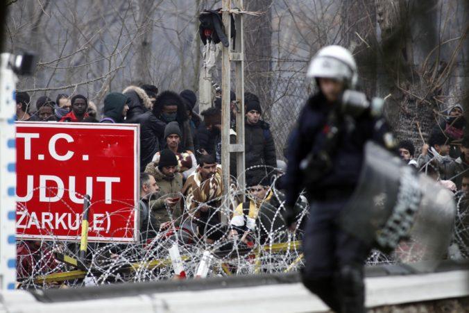 Turecko otvorilo pre migrantov hranice s Európou, oznámil prezident Erdogan