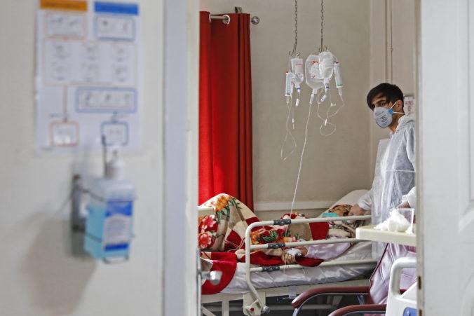 Koronavírusu už podľahol aj poradca ajatolláha Chameneího, vláda plánuje zmobilizovať armádu