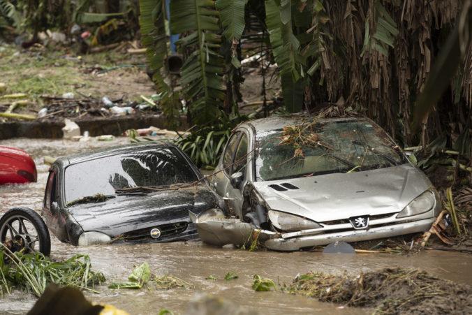Silné lejaky spôsobili v juhovýchodnej Brazílii zosuvy pôdy a zabili minimálne 12 ľudí