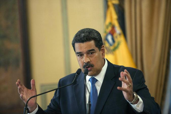 Maduro ženám odkazuje, aby rodili a rodili, kritici vidia situáciu inak