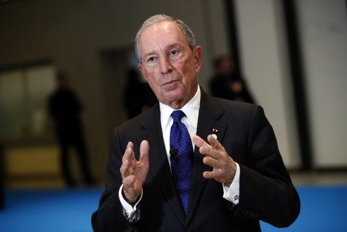 Pre slabý výsledok počas volebného superutorku ukončil Michael Bloomberg prezidentskú kampaň