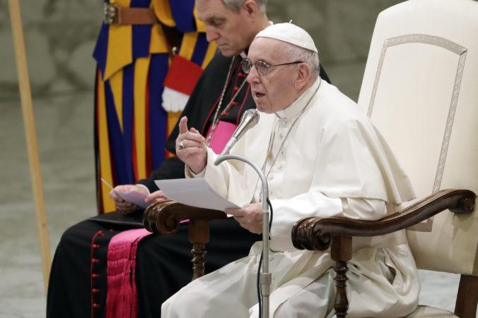Pápež František prijal rezignáciu francúzskeho kardinála, ktorý údajne kryl zneužívanie skautov