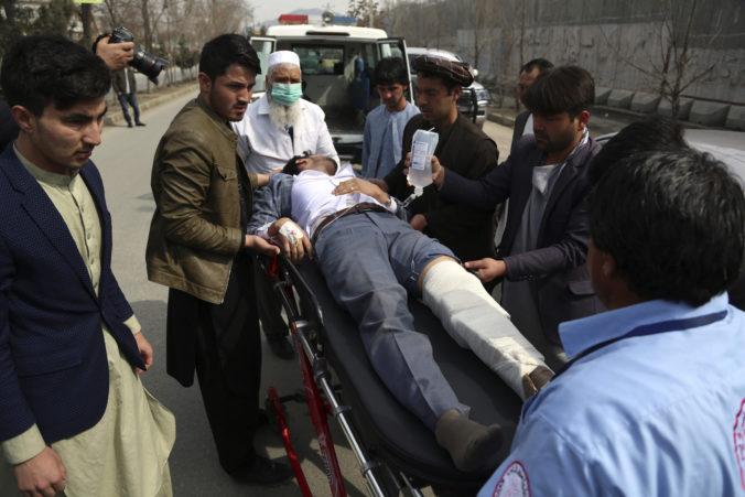 Útok v Kábule pripravil o život najmenej 27 ľudí, Taliban dáva ruky preč