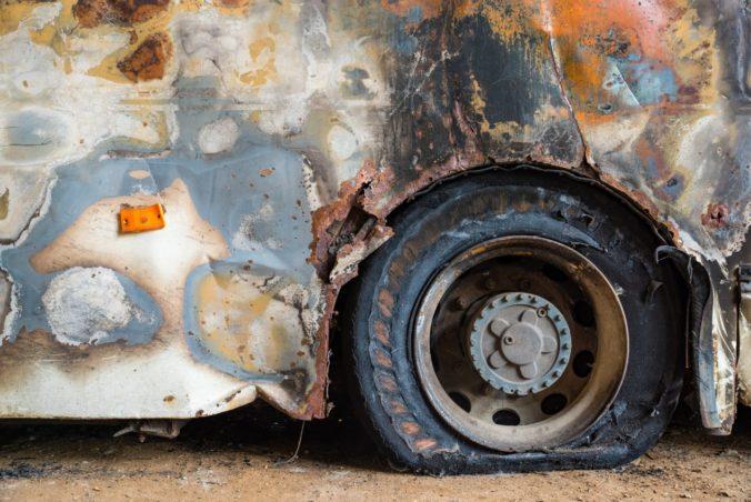 Zrážka dvoch autobusov v Ghane si vyžiadala najmenej 29 obetí, telá nebolo možné identifikovať