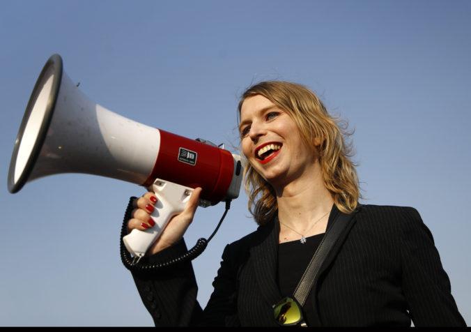 Transrodová exvojačka Manningová z kauzy WikiLeaks je na slobode, sudca nariadil jej prepustenie