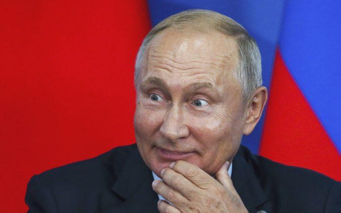 Ústavný súd odobril Putinovi novelu ústavy, zelenú mu však musí dať aj národné referendum