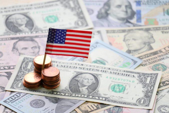 Americká vláda chce každému občanovi poslať tisíc dolárov, tento plán ešte musí schváliť Kongres