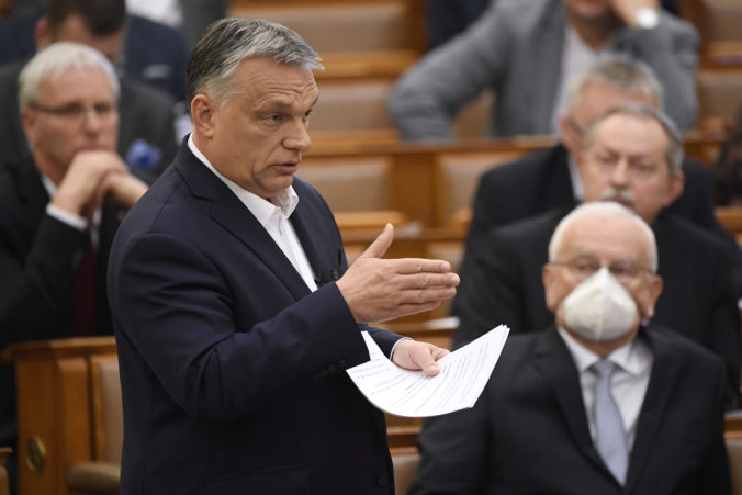 Maďarská vláda chce v čase krízy vládnuť pomocou dekrétov, Europarlament má výhrady