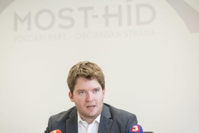 Ravasz sa chce naďalej venovať rómskej problematike, Matovičova vláda jeho návrhy ignorovala