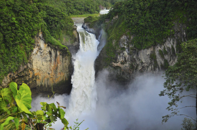 Najväčší vodopád v Ekvádore zmizol, na rieke nad ním vznikol závrt a odklonil ju do podzemia