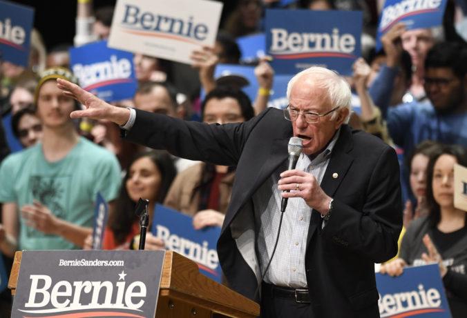 Sanders odstúpil z boja o demokratickú nomináciu, Trumpovi sa vo voľbách postaví Biden