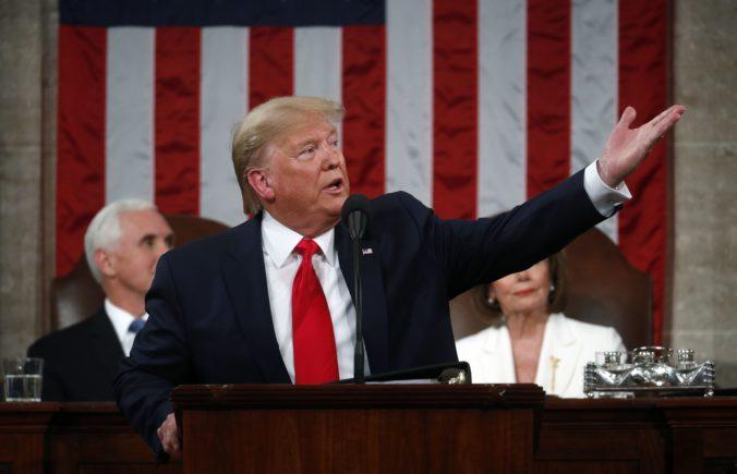 Trump hrozí stopnutím platieb pre zdravotnícku organizáciu a malým firmám chce dať miliardy dolárov