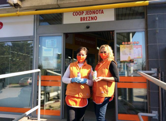 Zvolenská mliekareň posiela slovenským hrdinom jogurtový super nápoj. Zároveň vyzýva verejnosť, aby konala dobro