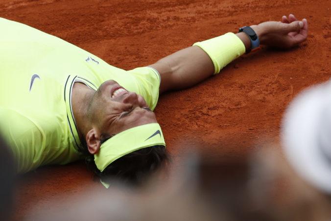 Nadal dá tričko z vlaňajšieho Roland Garros do dražby, peniaze pôjdu na boj s pandémiou