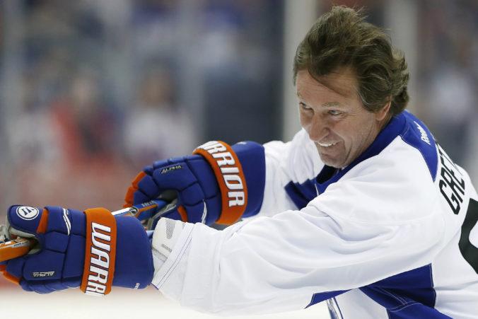 Najlepším centrom modernej histórie NHL je slávny Gretzky, medzi elitou aj Šťastný a Mikita