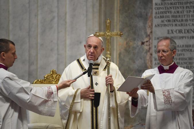 Pápež František vyzval svet na solidaritu v boji s pandémiou, teraz podľa neho nie je čas na sebeckosť