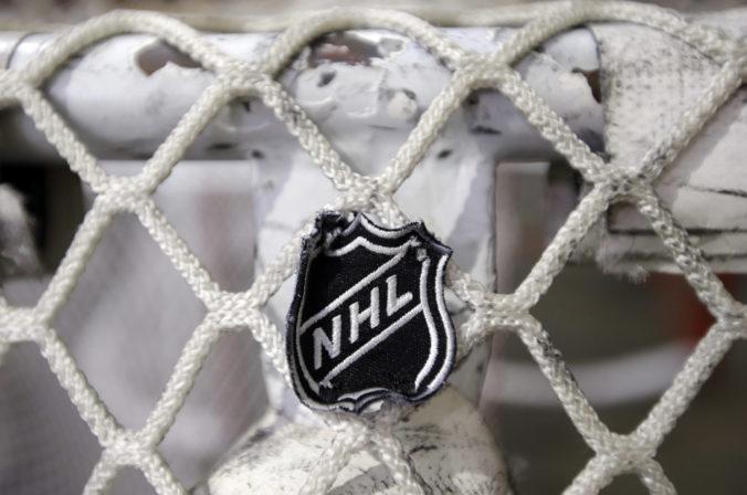 NHL je pripravená odložiť štart ďalšej sezóny až do novembra, aby túto ukončila v lete