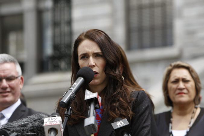 Novozélandská premiérka Ardernová a jej vláda si znížili platy o 20 percent, považuje to za prejav vodcovstva