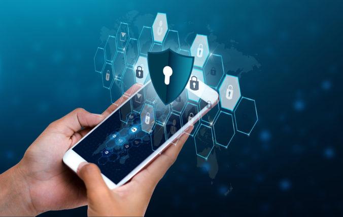 Bezpečnostná chyba v iOS umožnila hackerské útoky, stojí za ním niektorá krajina?
