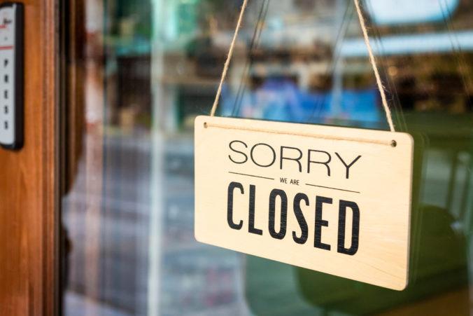 Pre opatrenia proti šíreniu pandémie nebudú reštaurácie či kaviarne otvorené skôr ako v júni
