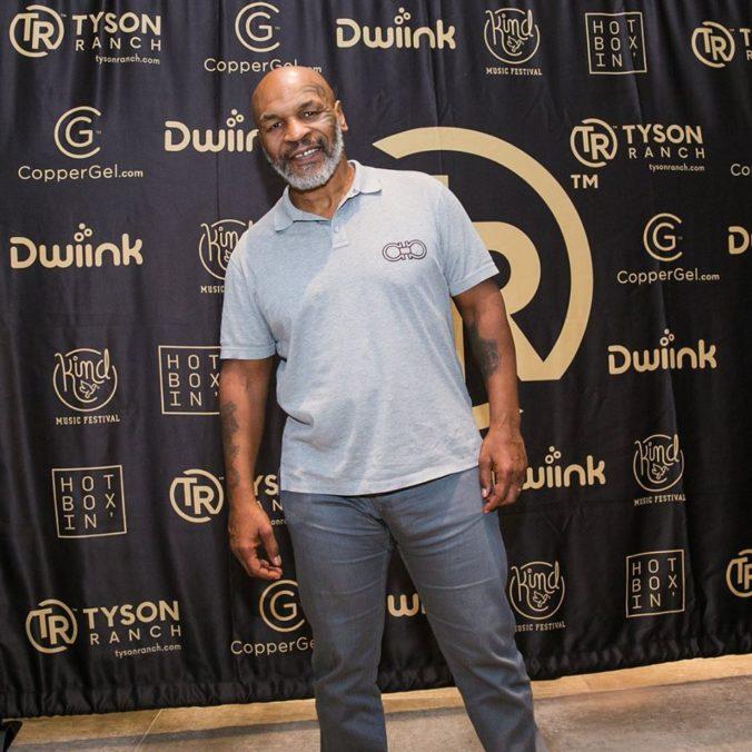 Mike Tyson sa chce vrátiť do ringu, kontroverzný päťdesiatnik začal s prípravou