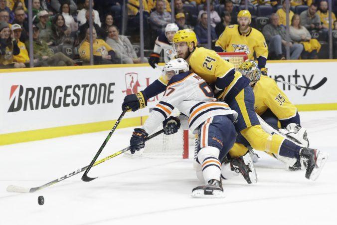 Pár pozitívnych testov na koronavírus snahu o reštart NHL nezastaví, tvrdí zástupca komisára Daly