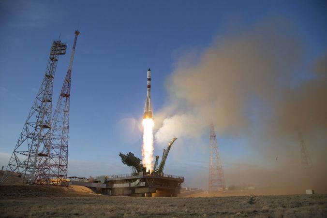 Ruská vesmírna loď dorazila na ISS, priviezla viac ako dve tony zásob