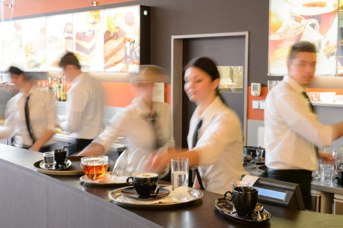 Odvetvie turizmu čelí zlým časom, zisky hotelov a reštaurácií v Európe tento rok klesnú najmenej o polovicu