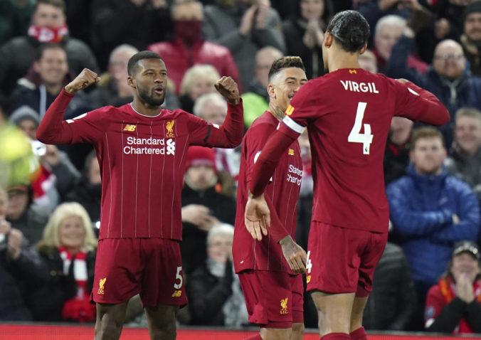 """""""The Reds"""" majú titul na dosah a starosta Liverpoolu je proti pokračovaniu Premier League"""